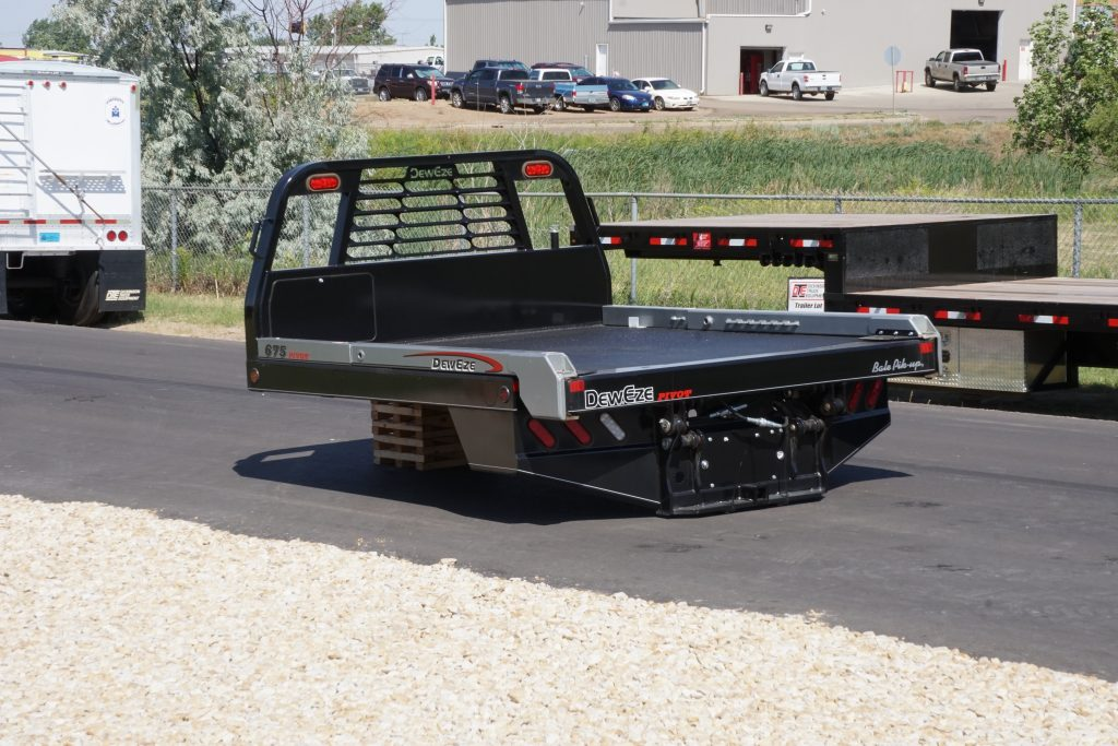 675p Pivot Squeeze Deweze Bale Bed Dickinson Truck Equipment